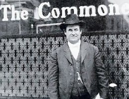 Bryan in front of The Commoner office in Lincoln, 1908